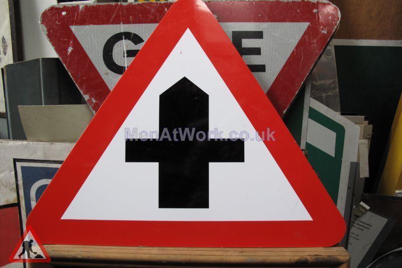 Road Signs – Triangle Warning Signs - Road Signs – Triangle Warning (12)