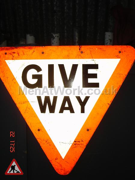 Road Signs – Triangle Warning Signs - Road Signs – Triangle Warning (15)