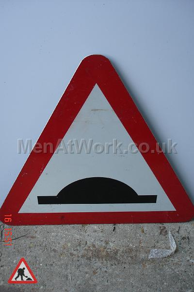 Road Signs – Triangle Warning Signs - Road Signs – Triangle Warning (16)