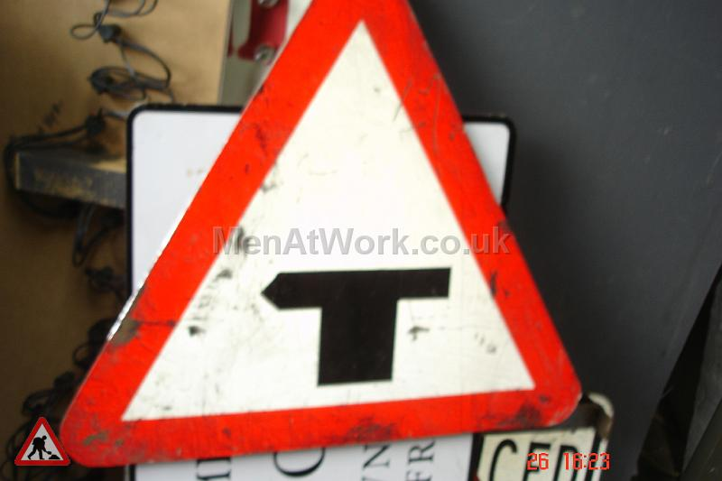 Road Signs – Triangle Warning Signs - Road Signs – Triangle Warning (20)