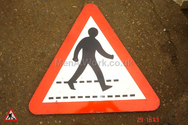 Road Signs – Triangle Warning Signs - Road Signs – Triangle Warning (23)