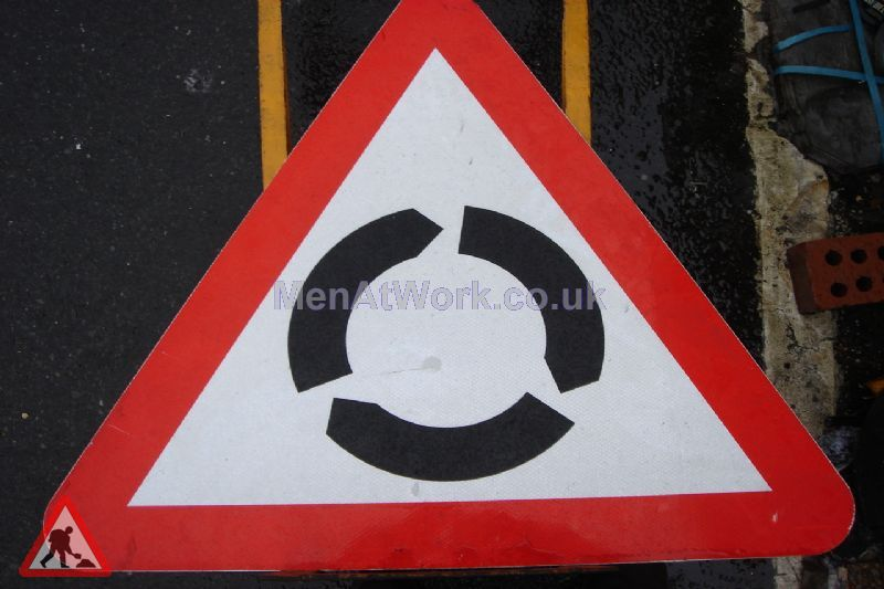Road Signs – Triangle Warning Signs - Road Signs – Triangle Warning (25)