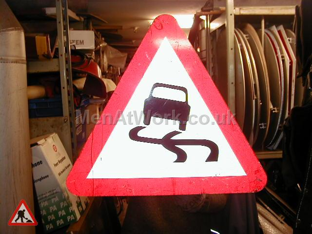 Road Signs – Triangle Warning Signs - Road Signs – Triangle Warning (27)