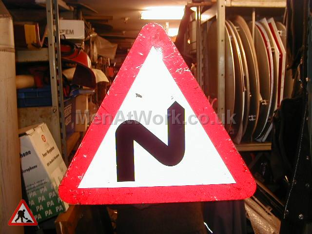 Road Signs – Triangle Warning Signs - Road Signs – Triangle Warning (28)