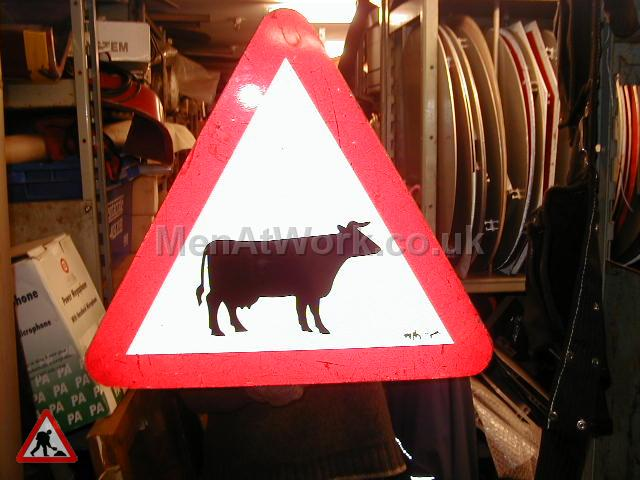 Road Signs – Triangle Warning Signs - Road Signs – Triangle Warning (32)