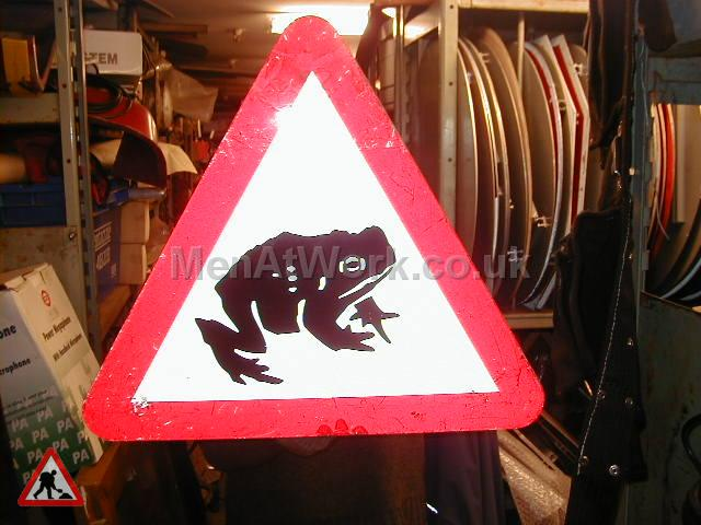 Road Signs – Triangle Warning Signs - Road Signs – Triangle Warning (33)