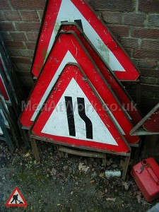 Road Signs – Triangle Warning Signs - Road Signs – Triangle Warning (35)