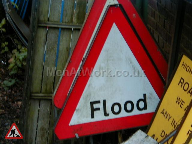 Road Signs – Triangle Warning Signs - Road Signs – Triangle Warning (36)
