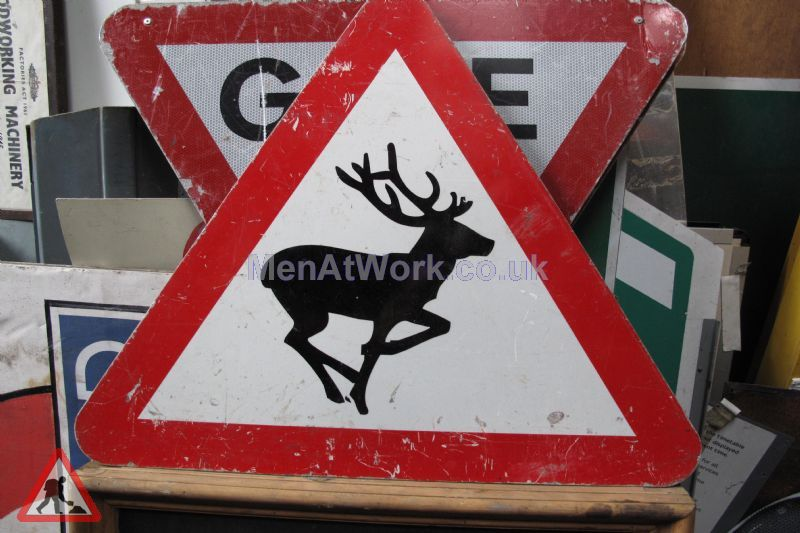 Road Signs – Triangle Warning Signs - Road Signs – Triangle Warning (7)