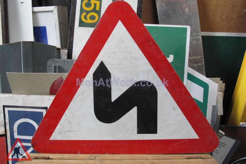 Road Signs – Triangle Warning Signs - Road Signs – Triangle Warning (8)