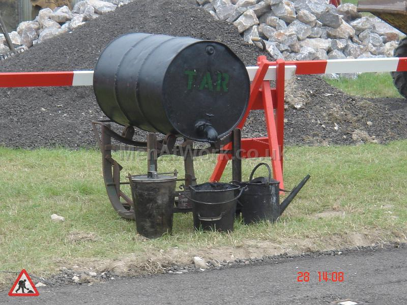 Period Tar boilers & sprayers - Road works-period dressing