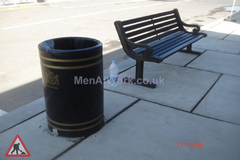 Street Bins - Street bin and bench