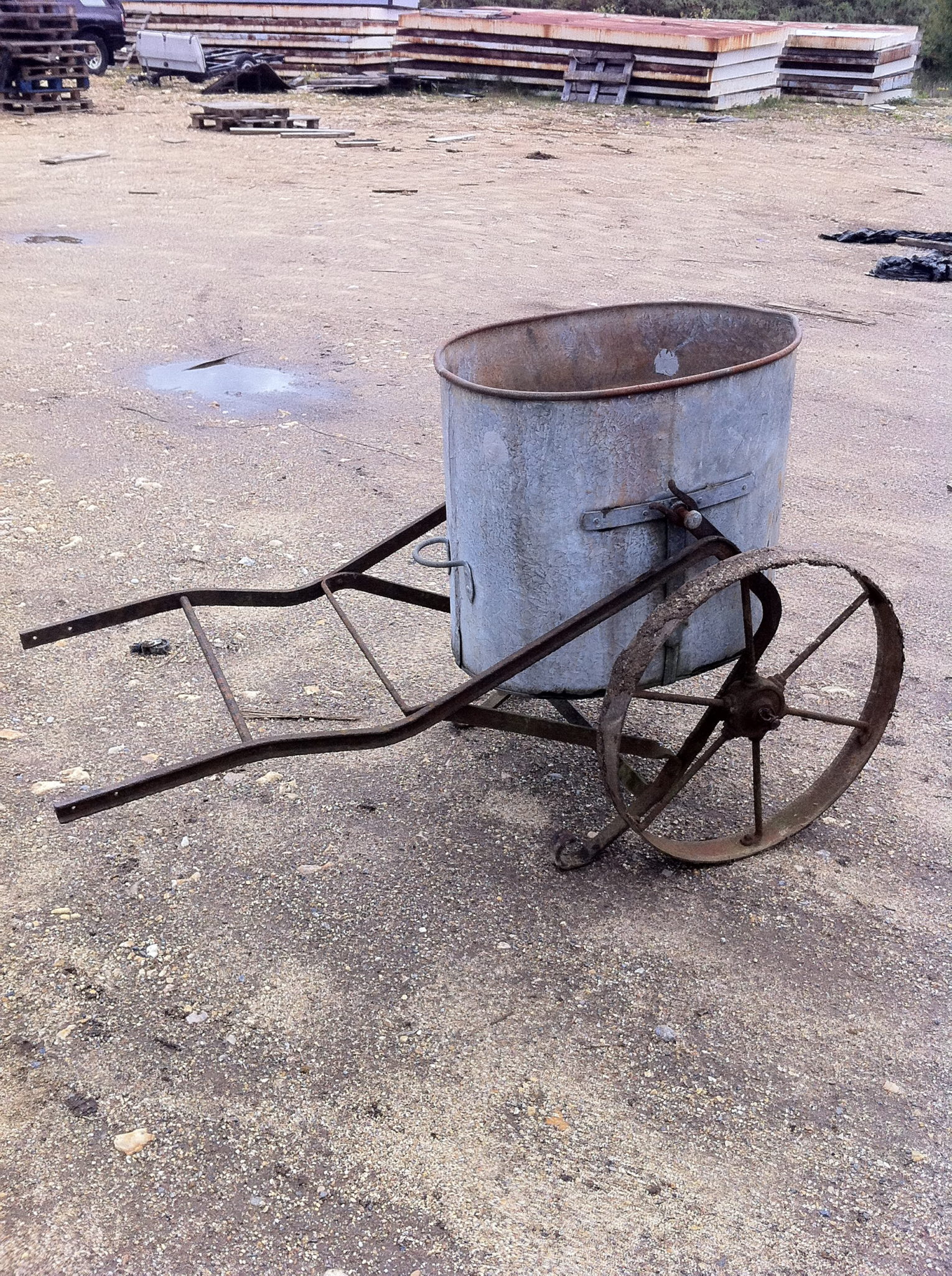 Period Tar boilers & sprayers - Tipping Water Butt