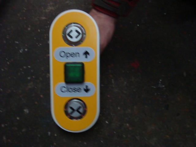 Train Door Open/Close Buttons - Train Open Close Buttons (3)
