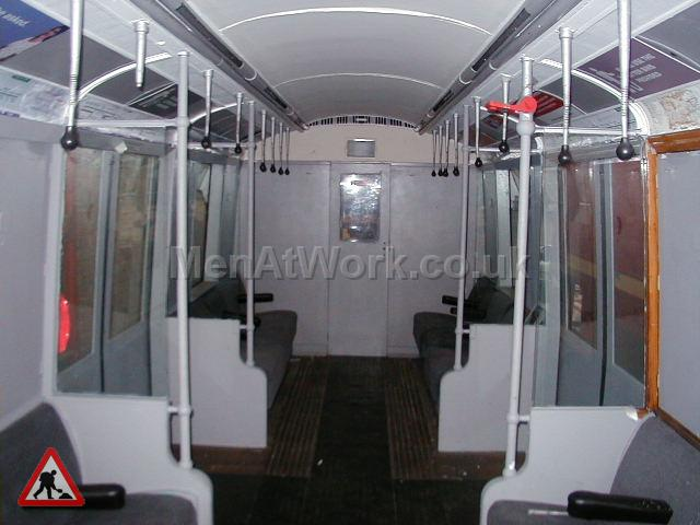 Underground Tube Carriage - Tube Train Carriage (11)