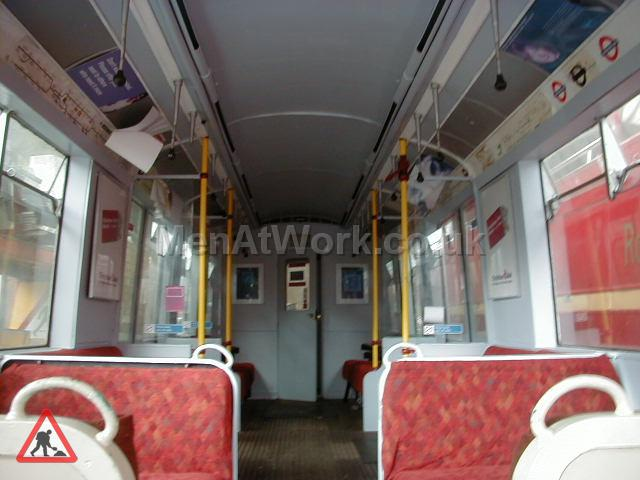 Underground Tube Carriage - Tube Train Carriage (7)
