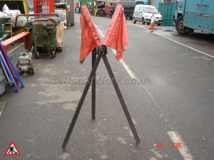 Road works- period traffic lights & signals - Warning Flags
