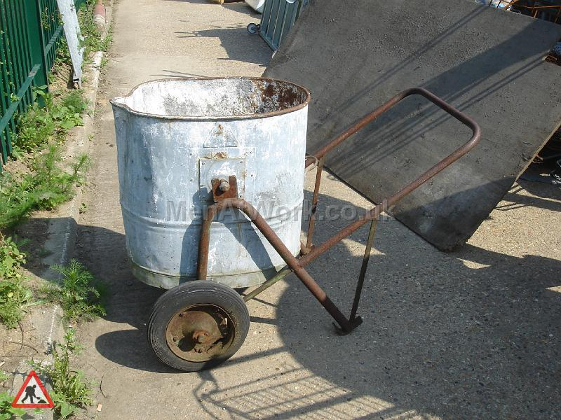 Period Tar boilers & sprayers - Water Butt