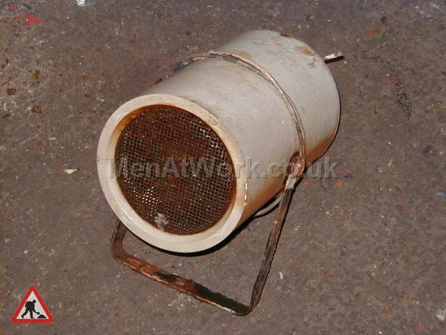 White Rusted Tannoys - White rusted Tannoys (2)