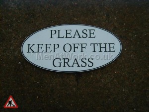 Please Keep off the grass - please keep  off the grass sign