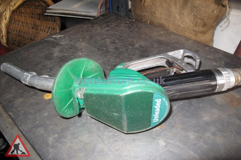 Petrol Pump Nozzles - pump nozzles (6)