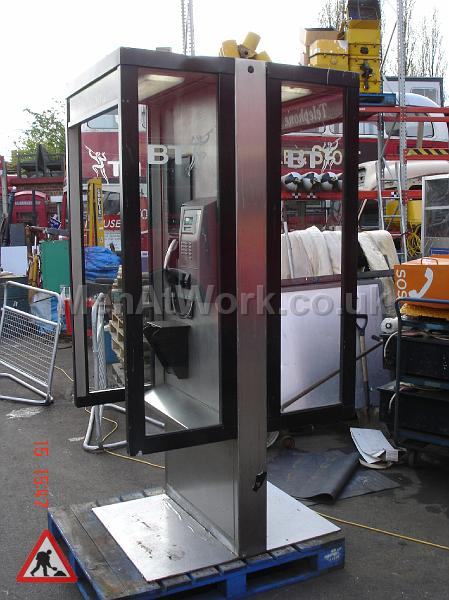 Telephone Kiosks - PHONE BOOTH DOUBLE
