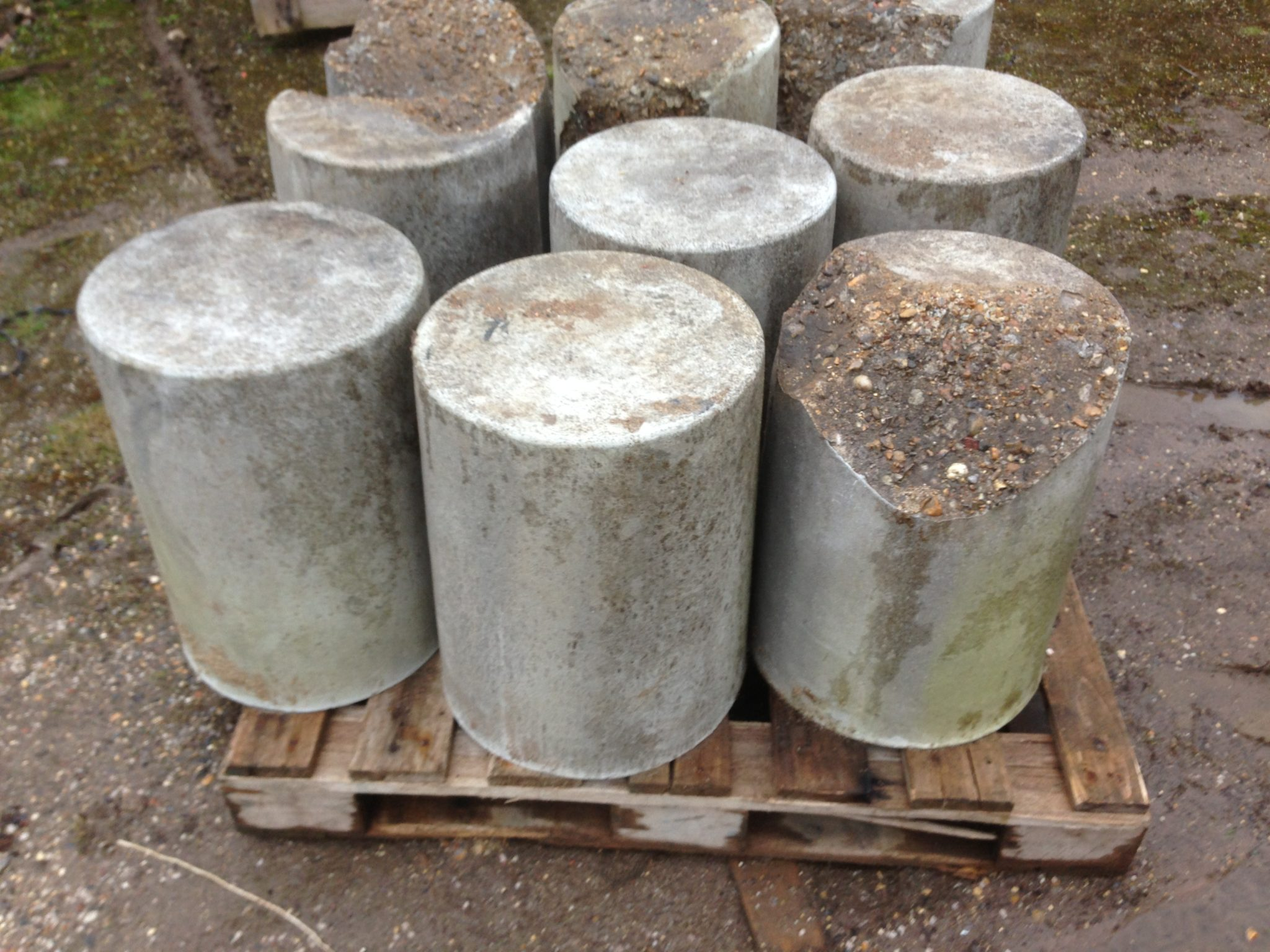Concrete Bollards Fake 4 Complete 4 Broken - Fake Concrete Bollards