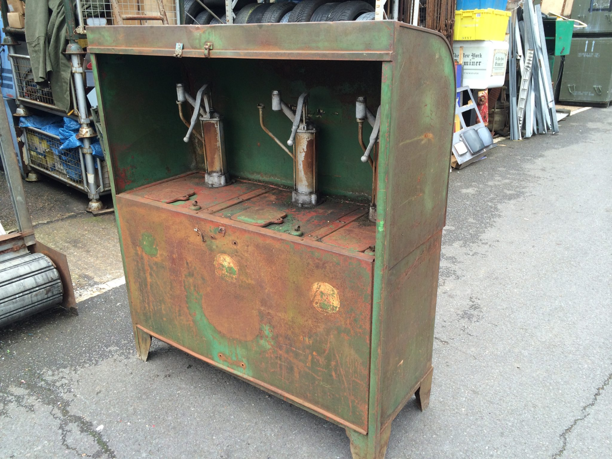 Oil Pump Cabinet -