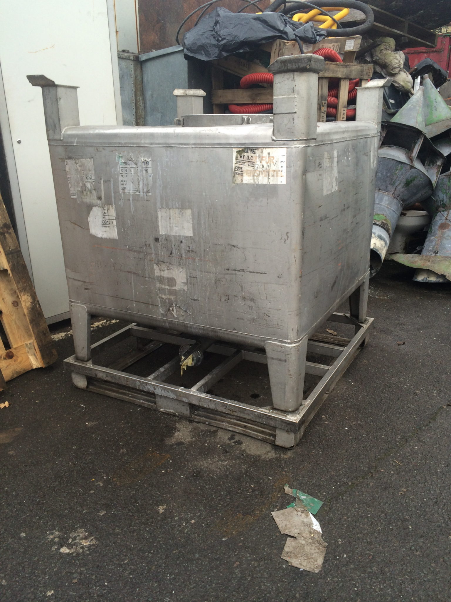 Stainless IBC Tanks 8 Available 45″ x 45″ x 55″ -