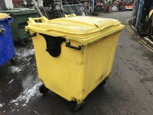 Medical Yellow Wheelie Bin - IMG_0247